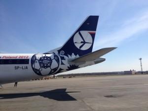 Фотография: самолет авиакомпании LOT Polish Airlines www.air-agent.ru