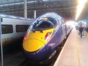Скоростная электричка железнодорожный вокзал Сент-Панкрас  Лондон
