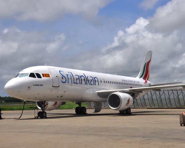 Фотография: Самолет авиакомпании SriLankan Airlines airbus A320